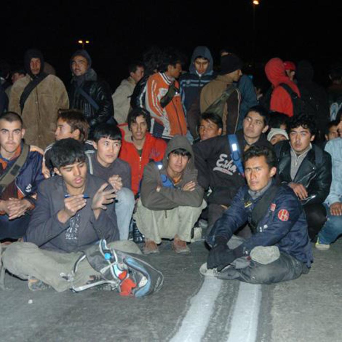Άρτα: Θησαυρίζουν και συνεχίζουν να πηγαίνουν λαθρομετανάστες στην Πάτρα! | Newsit.gr