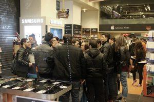 Black Friday: Πουλήθηκαν τα Playstation σε 20 λεπτά – Δείτε πως μπήκε ο κόσμος [pics, vids]