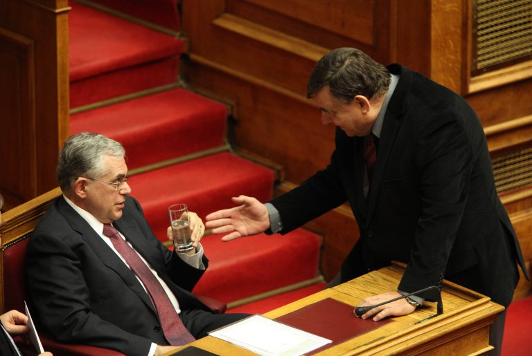 Κυνική δήλωση: Επιδίωξή μας είναι να μην κοπούν και άλλο οι μισθοί, όχι δέσμευση!   Newsit.gr