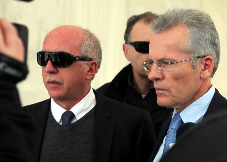 Και ζήσαν αυτοί καλά …. – Μένουν στις θέσεις τους οι εισαγγελείς Πεπόνης – Μουζακίτης | Newsit.gr