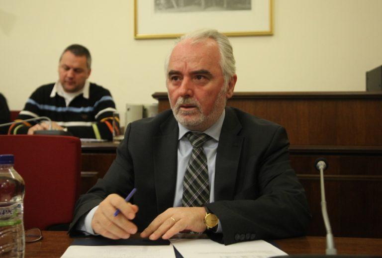Κουτρουμάνης: Κατά 7,6% θα μειωθούν οι μισθοί το 2012! | Newsit.gr