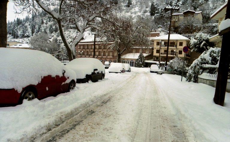 Μακεδονία: Δρόμοι παγίδες και πολικό ψύχος στις περισσότερες πόλεις! | Newsit.gr