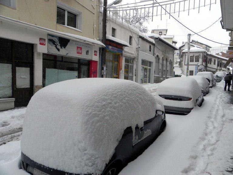 Μακεδονία: Χιονίζει σε Φλώρινα και Καστοριά – Που χρειάζονται αλυσίδες | Newsit.gr