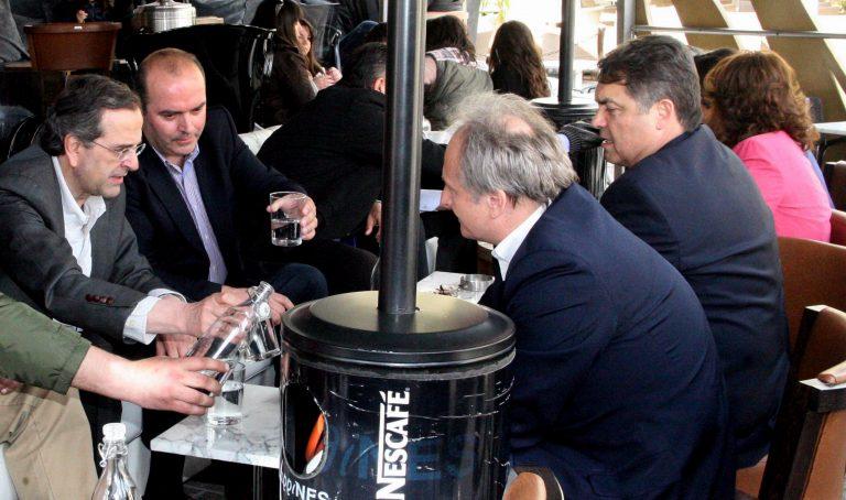 Ο καφές του Α.Σαμαρά στο Άργος – φωτο   Newsit.gr