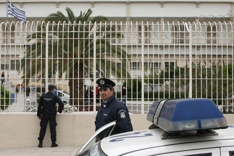 Μεγάλες καταστροφές από την εξέγερση στις φυλακές Κορυδαλλού – Μαχαίρωσαν σωφρονιστικό υπάλληλο   Newsit.gr