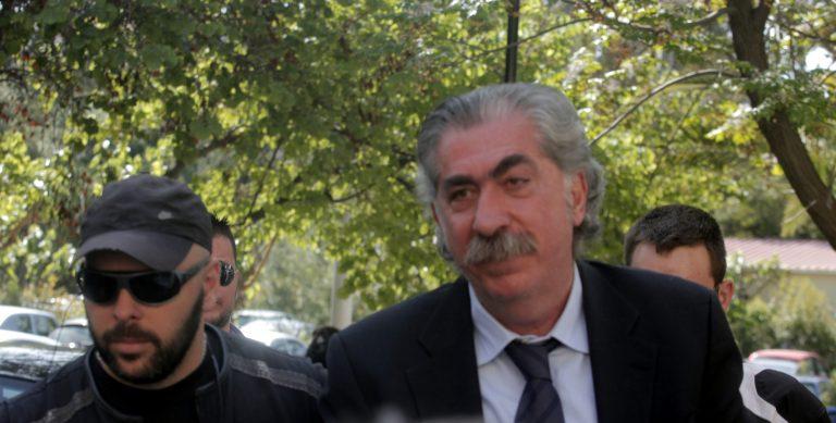Ελεύθερος αλλά… κρατούμενος ο Μάκης Ψωμιάδης! | Newsit.gr