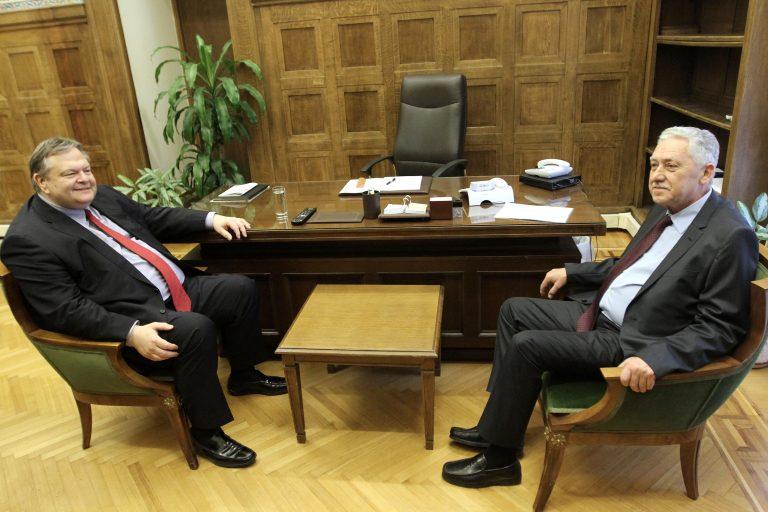 Χοντρό παιχνίδι με τον Κουβέλη – Πάλι δημιουργείται αδιέξοδο που οδηγεί σε εκλογές | Newsit.gr