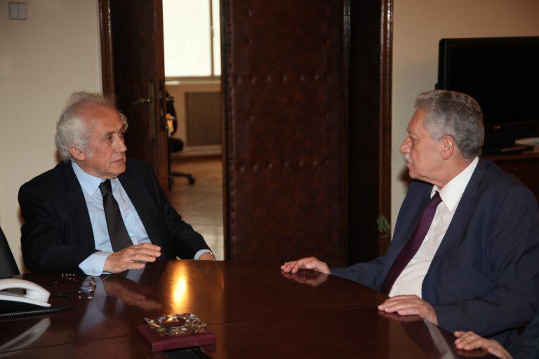 Ο Κουβέλης έπεισε τον Ρουπακιώτη και έδειξε ότι στηρίζει την κυβέρνηση | Newsit.gr