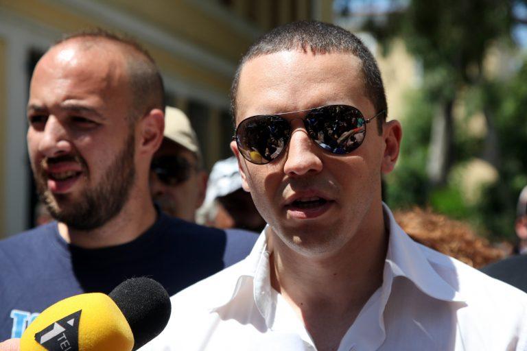 Κασιδιάρης: Να απαγορευθούν οι δημόσιες συναθροίσεις μεταναστών | Newsit.gr