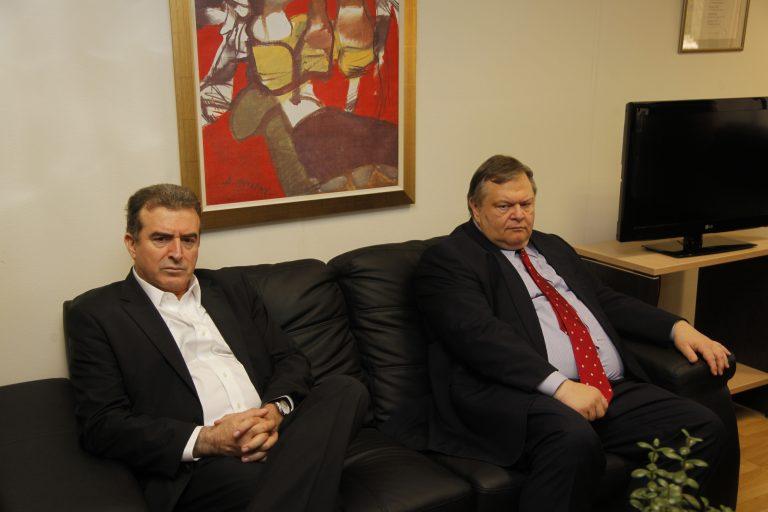 Χρυσοχοϊδης: «Πρόεδρε να μην κάνουμε το ΠΑΣΟΚ Ι5!» | Newsit.gr