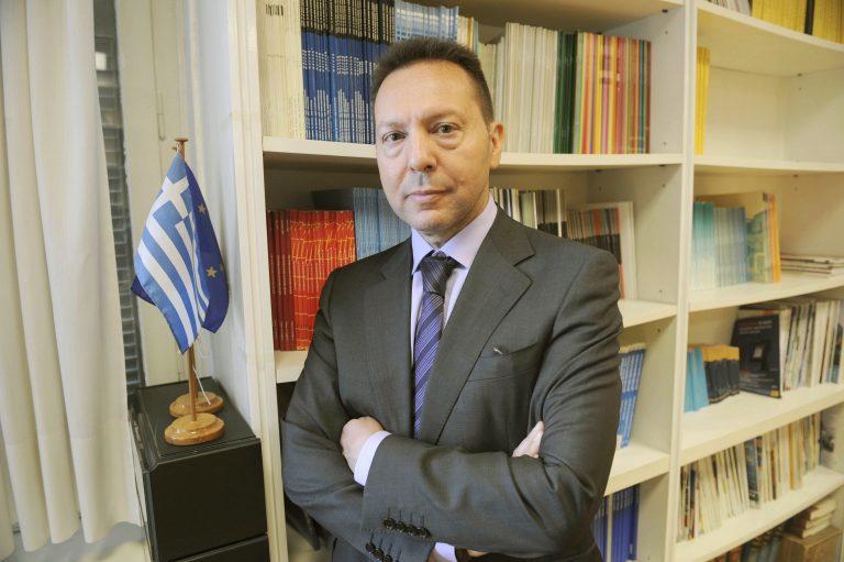 Ο Γ.Στουρνάρας είναι ο νεος υπουργός Οικονομικών – Θα είναι παρών στις 19.30 στην συνάντηση Σαμαρά – Βενιζέλου – Κουβέλη   Newsit.gr