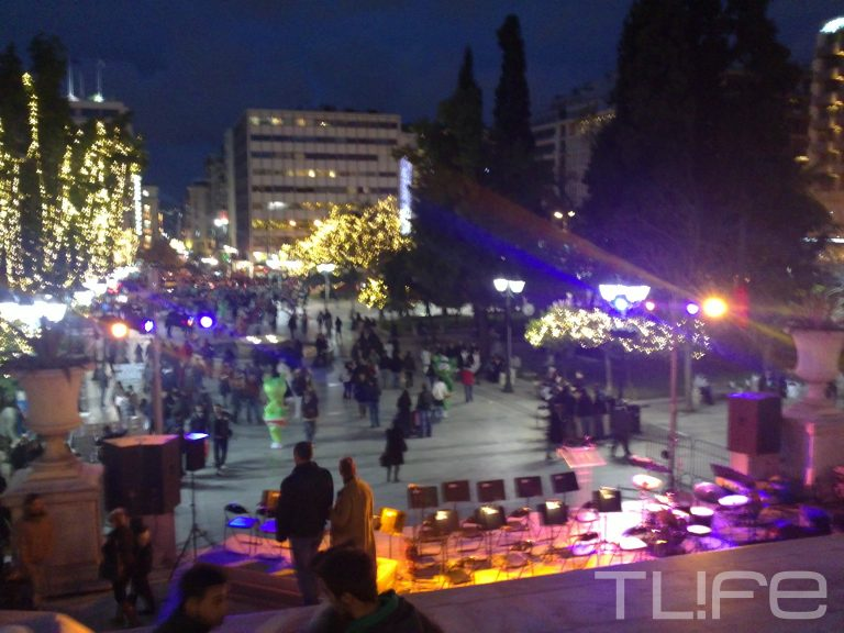 Η Αθήνα «φόρεσε» τα γιορτινά της! Το TLIFE ήταν εκεί | Newsit.gr