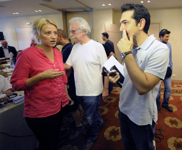 Δούρου: Να σταματήσουν τα προσωπικά δελτία Τύπου για την οικονομία!   Newsit.gr