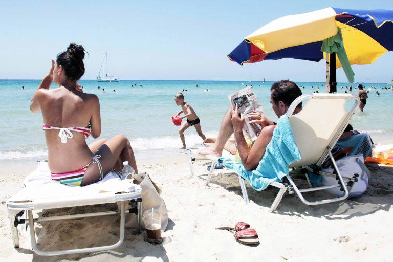 Ηράκλειο: Η αγωνία και οι φωνές μιας μητέρας, ξεσήκωσαν την παραλία! | Newsit.gr