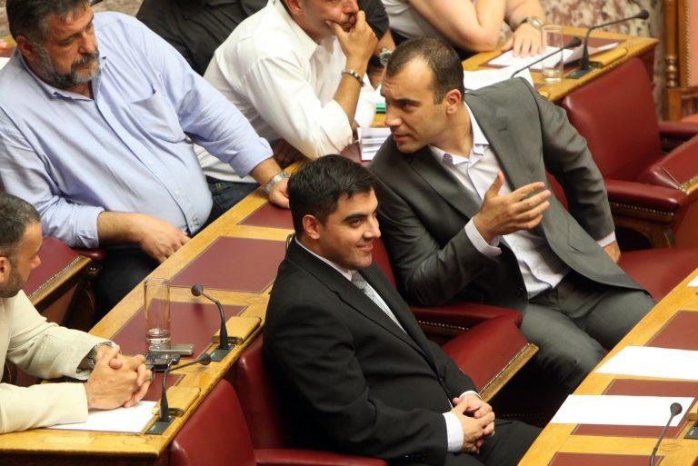 Ο φίλος της κόρης του Μιχαλολιάκου και ο άνεργος βουλευτής που παραιτήθηκε λόγω φόρτου εργασίας   Newsit.gr