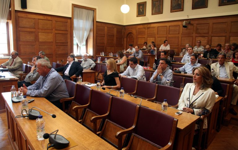 Άλλοι 2 ύποπτοι βουλευτές του ΠΑΣΟΚ για καταψήφιση των μέτρων;   Newsit.gr