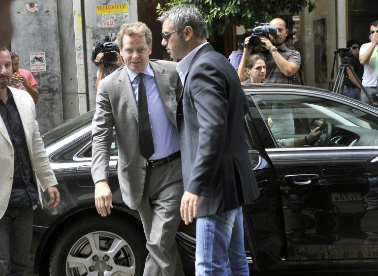 Δε μας εμπιστεύονται! – Η τρόικα θέλει… αποδείξεις κι ονόματα για μην πετσοκόψουν τα ειδικά μισθολόγια – Οι γκρίζες ζώνες στη συνάντηση με Στουρνάρα | Newsit.gr