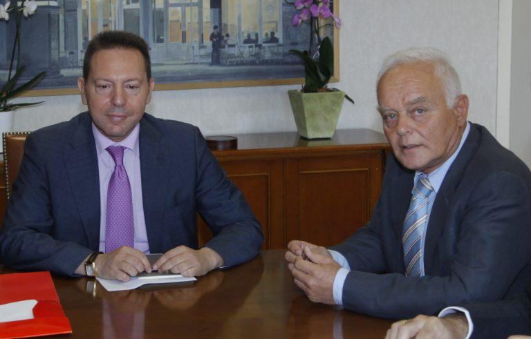 Απολύσεις στο Δημόσιο: Συνάντηση Στουρνάρα – Μανιτάκη | Newsit.gr