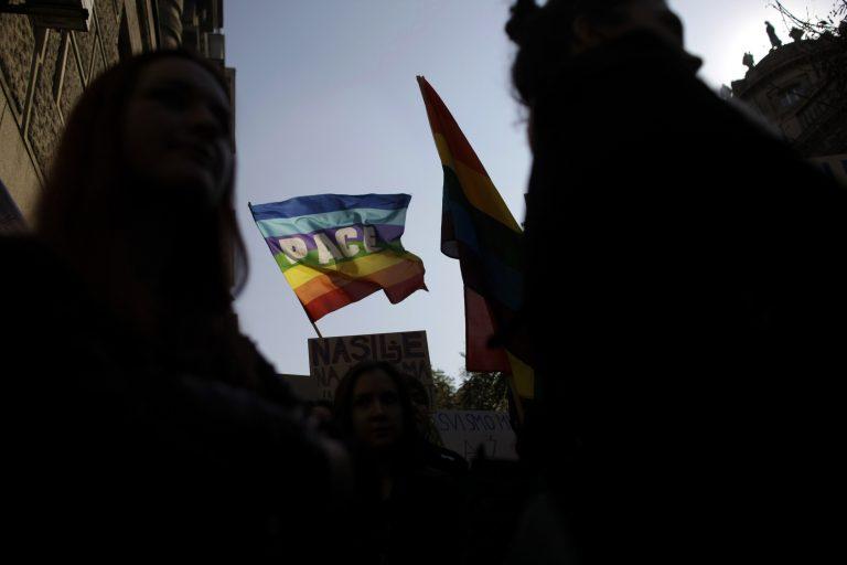 1.000 χρόνια πίσω – Ακροδεξιές συμμορίες κυνηγούν ομοφυλόφιλους στην Αθήνα   Newsit.gr