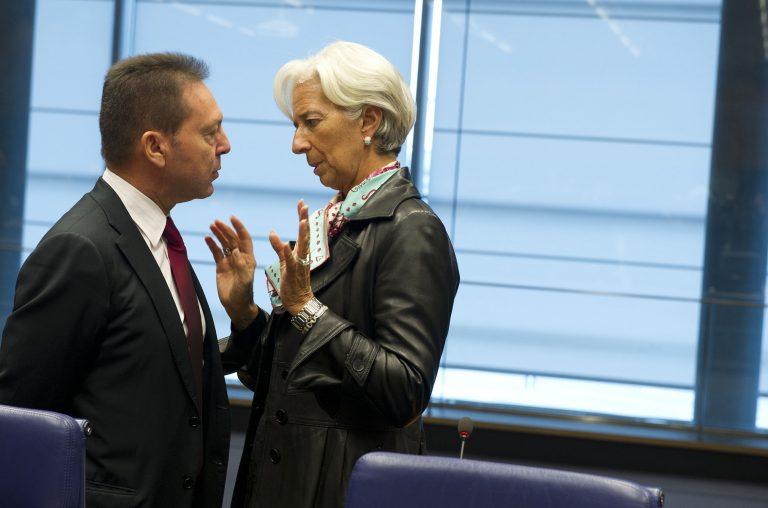 Νέα απειλή για την Ελλάδα ο πόλεμος Ε.Ε. – ΔΝΤ | Newsit.gr
