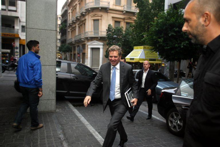 Μετά τη ρήξη με την τρόικα ο Βρούτσης πήρε εντολές από τους πολιτικούς αρχηγούς για νέα συνάντηση – Αγκάθι οι τριετίες που έχουν ήδη καταργηθεί | Newsit.gr