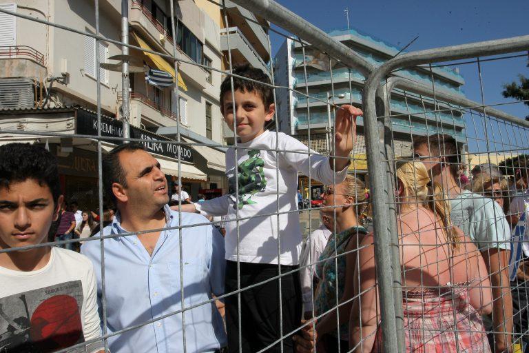 Βόλος: »Σιδερόφρακτη» παρέλαση στην παραλία – Δείτε το βίντεο! | Newsit.gr