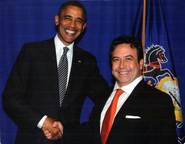 Οι Έλληνες που στάθηκαν στο πλευρό του Ομπάμα | Newsit.gr