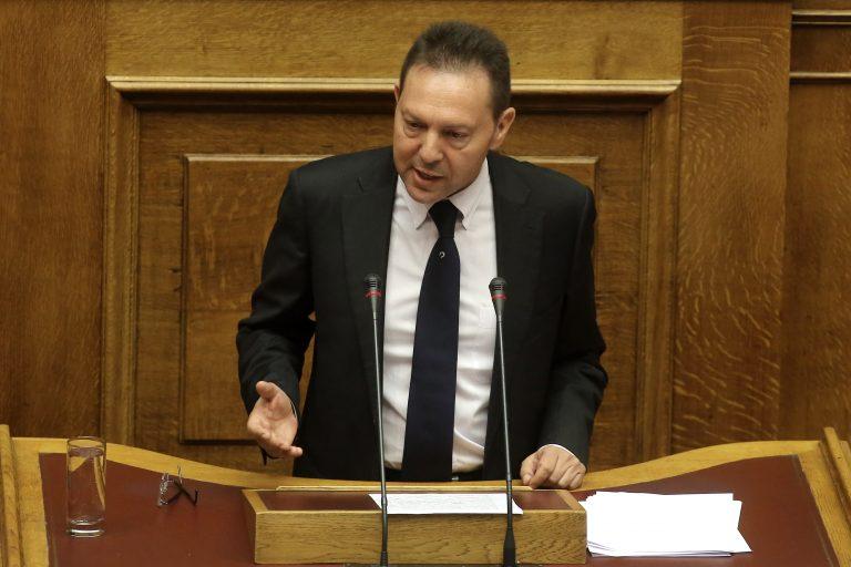 Δεν κινδυνεύει κανείς εφοριακός να τεθεί σε διαθεσιμότητα, λέει τώρα το ΥΠΟΙΚ | Newsit.gr