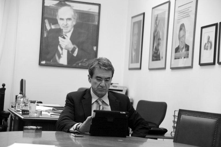 Λοβέρδος: Ο Βενιζέλος υπεύθυνος για την συρρίκνωση της παράταξης | Newsit.gr