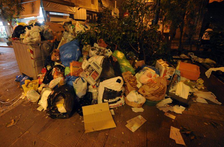Τρίπολη: »Μην κατεβάζετε σκουπίδια – Δεν μπορούμε να τα μαζέψουμε»   Newsit.gr