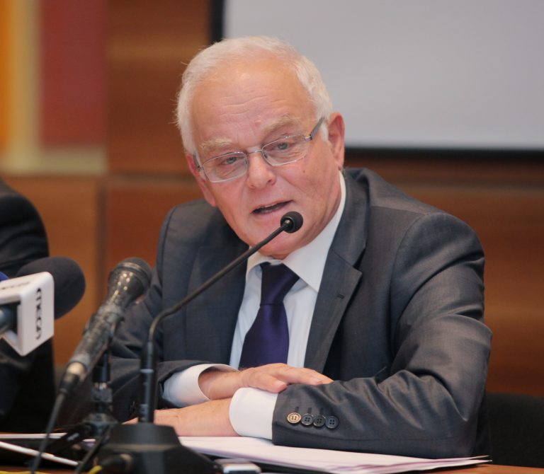 Σε διαθεσιμότητα οι υπάλληλοι των δήμων χωρίς την υπογραφή Δημάρχου! | Newsit.gr