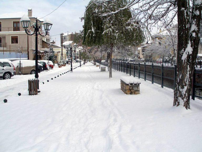 Μακεδονία: Τσουχτερό κρύο και προβλήματα στους δρόμους | Newsit.gr