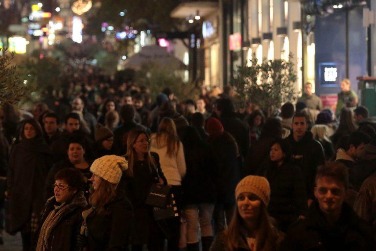 Ανοιχτά κάθε Κυριακή τα καταστήματα franchise | Newsit.gr