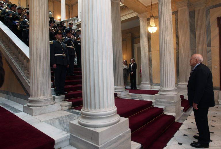 Του τα έψαλλαν του προέδρου | Newsit.gr