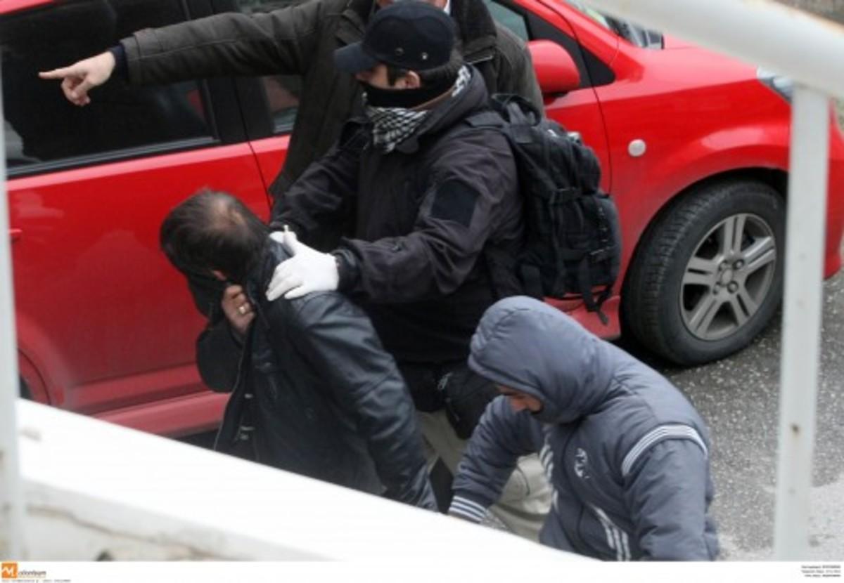 O »ντερβίσης», ο »μαύρος» και ο »Κλόντι» – Οι κωδικοί των αστυνομικών – μαφιόζων!   Newsit.gr