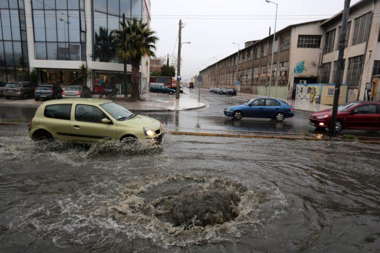 Έντονα καιρικά φαινόμενα τις επόμενες ώρες στην Αττική – Απέραντο μποτιλιάρισμα στους δρόμους της Αθήνας   Newsit.gr