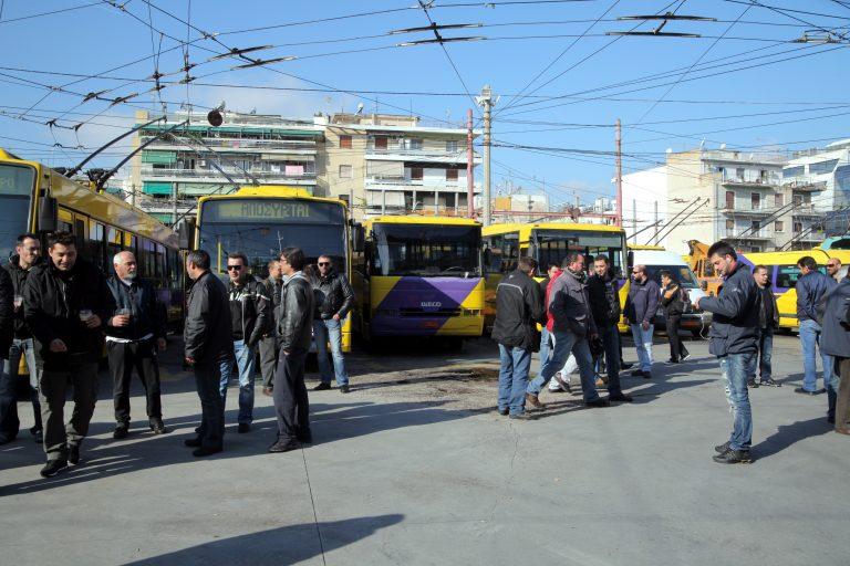 Μόνο τα τρόλει θα βγούν σήμερα στους δρόμους – Αναστολή της απεργίας τους | Newsit.gr