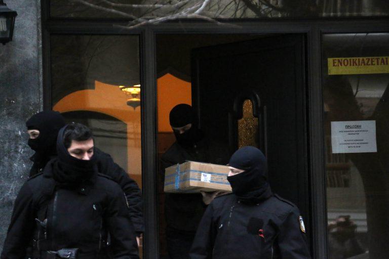 Ψάχνουν τους γιους γνωστού συνδικαλιστή και απόστρατου στρατιωτικού για τους «Πυρήνες» | Newsit.gr