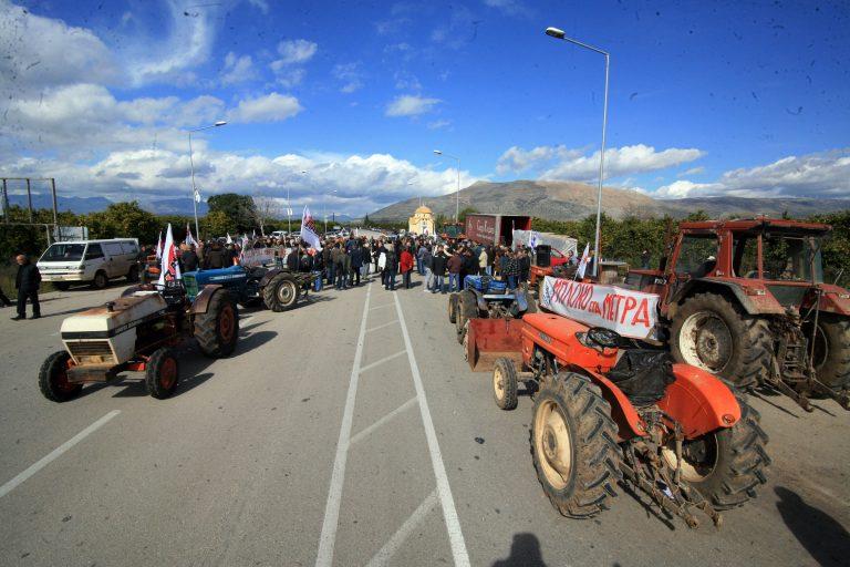 Μαγνησία: Αστυνομικοί σταμάτησαν αγρότες του Πηλίου – Συνεχείς διαπραγματεύσεις | Newsit.gr