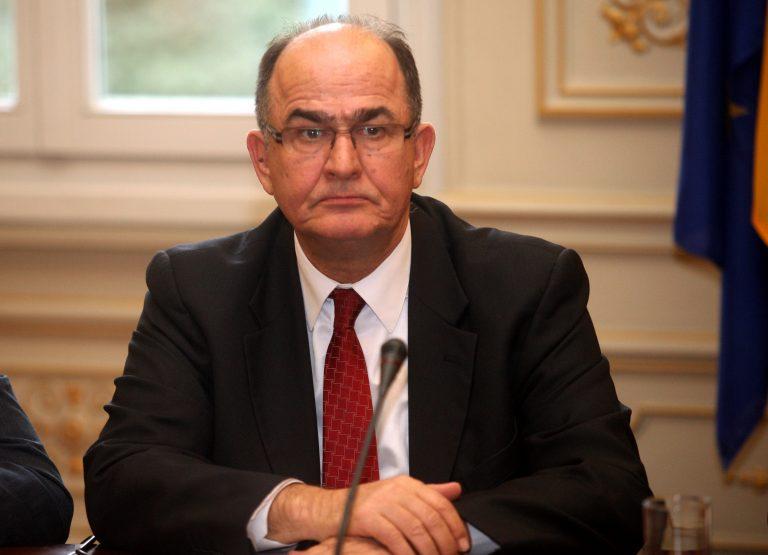 Σοκαριστικό βίντεο από την κατάρρευση του ευρωβουλευτή Παπαστάμκου – Σε κρίσιμη κατάσταση νοσηλεύεται | Newsit.gr