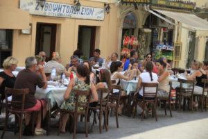 Κέρκυρα: »Βουλιάζει» από τουρίστες – Πρόβλεψη για 630.000 αφίξεις το φετινό καλοκαίρι!