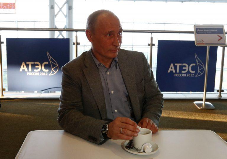 Πούτιν: Tο ομαδικό σεξ είναι καλύτερο απ' ό,τι το σεξ κατ΄ιδίαν | Newsit.gr