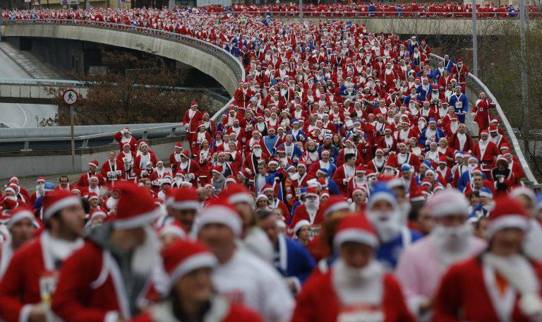 8.000 Αη Βασίληδες στο Λίβερπουλ! – ΦΩΤΟ | Newsit.gr