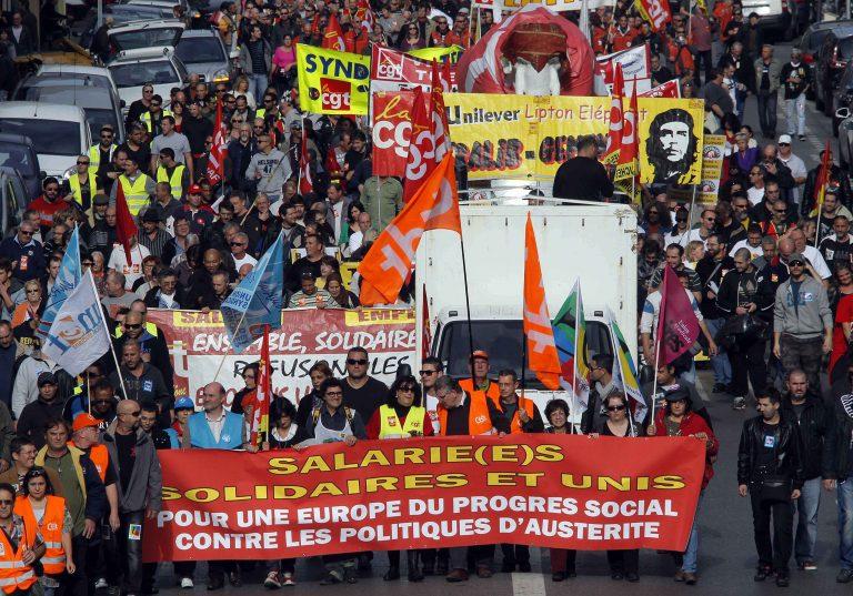 Όλη η Ευρώπη στους δρόμους! Δείτε τι έγινε στις μεγάλες πόλεις – ΦΩΤΟ | Newsit.gr