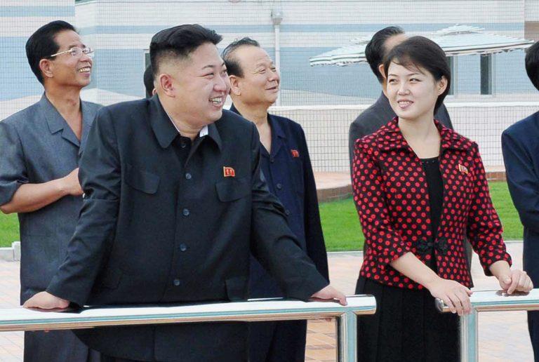 Ιστορία σαν παραμύθι! Ο νεος ηγέτης της Β.Κορέας παντρεύτηκε την γυναίκα που δεν ήθελε ο πατέρας του! | Newsit.gr