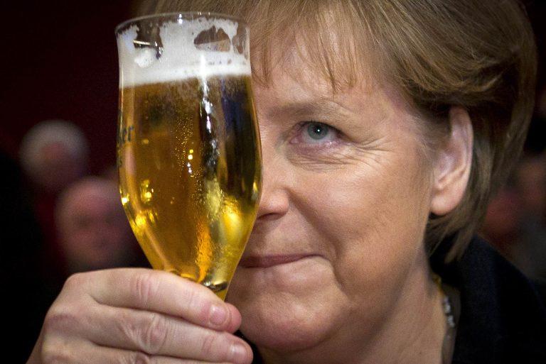 Πίνει νερό στ' όνομά μας! Μέρκελ στην Bild: Μέχρι τώρα οι Έλληνες μας κορόϊδευαν αλλά τώρα η Ελλάδα αλλάζει   Newsit.gr