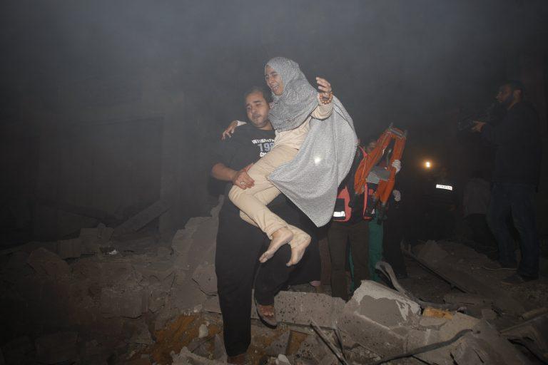 Ο πόλεμος μέσα από τα μάτια των ανθρώπων! Νεκρά βρέφη και τρομαγμένοι πολίτες της Παλαιστίνης και του Ισραήλ την ώρα των βομβαρδισμών | Newsit.gr