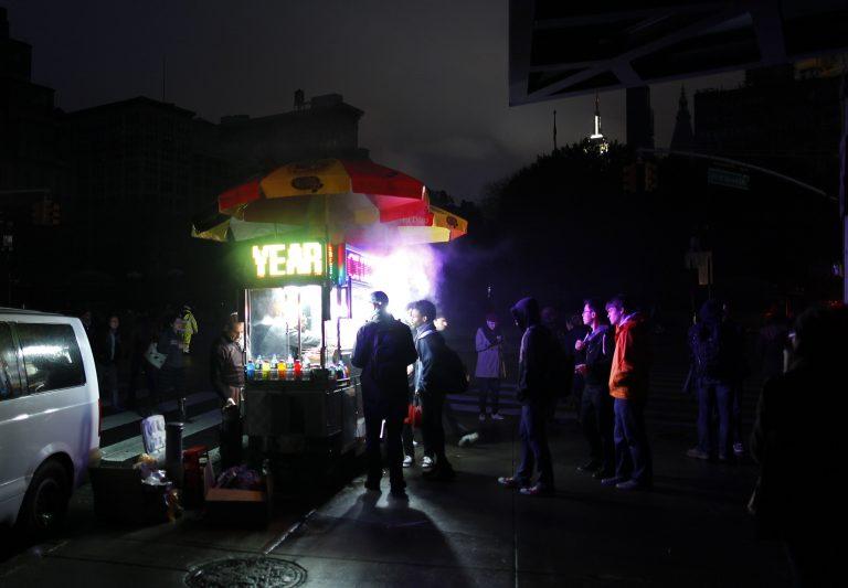 Στιγμές των νεουορκέζων μετά το πέρασμα της Sandy – ΦΩΤΟ | Newsit.gr
