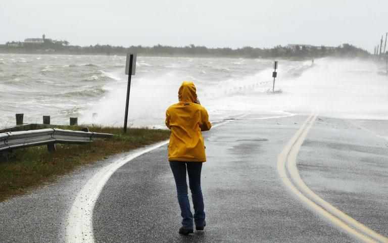 Η Sandy πλησιάζει απειλητικά! – LIVE εικόνα – Έκλεισαν 2 σήραγγες με εντολή του κυβερνήτη της πόλης | Newsit.gr