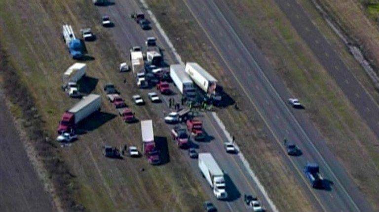 Γιγαντιαία καραμπόλα 140 αυτοκινήτων στο Τέξας – ΦΩΤΟ   Newsit.gr